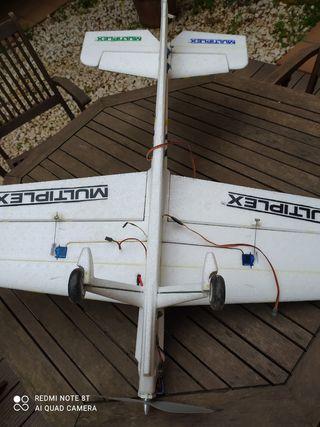Avion eléctrico acrobatico parkmaster