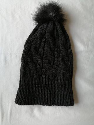 Gorro lana negro borla Mango abrigado suave invier
