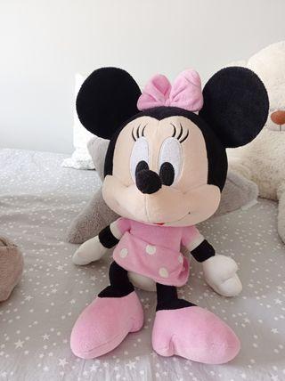 Minnie grande de peluche