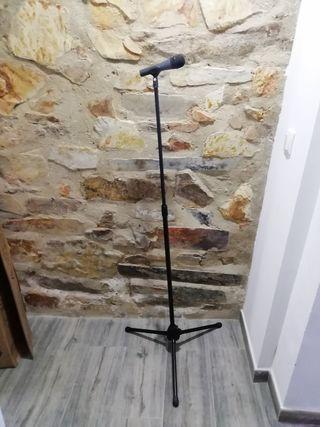 Micrófono Sennheiser e815s y pie