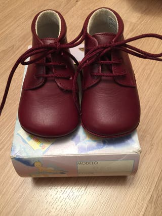 Zapatos bebé. Talla 16
