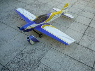 Avion RC Groove de Weston UK