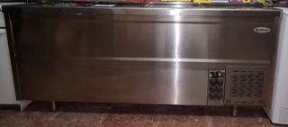 cámara frigorífica y frigorífico alto.