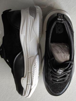 zapatillas negras mujer de Venice
