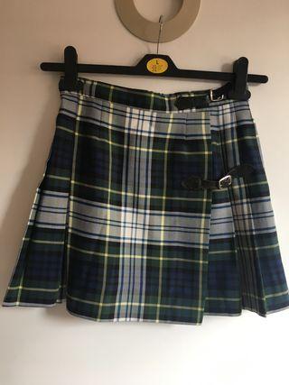 Falda uniforme colegio CEU Talla 12. Buen estado.