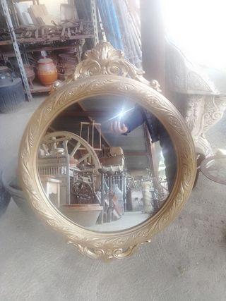 se vende espejo de madera labrado