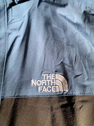 Chaqueta North Face tipo cortavientos, talla M