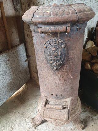estufa de hierro antigua