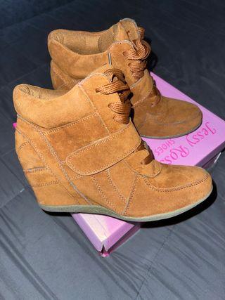 Cuñas / zapatillas / botines INSIDE