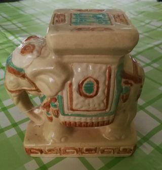 Figura de elefante.