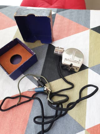 Antiguo diafragma eléctrico para gramófono