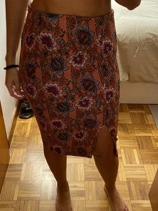 Falda elastica Zara