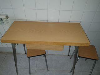 mesa cocina plegable con 2 taburetes