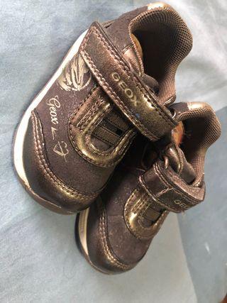 Zapatillas, bambas niña GEOX T19