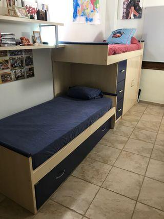 Litera con tres camas, armario y tres cajones