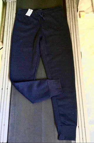 Pantalón de chandal nuevo con etiqueta