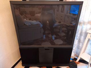 Televisor Sony con altavoces