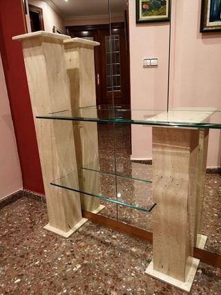 Entrada recibidor de marmol y espejo