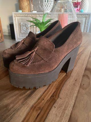 Zapatos plataforma marrón estilo mocasin
