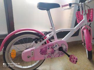 bicicleta pequeña ,niña