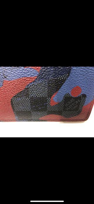 Billetera Louis Vuitton edición limitada