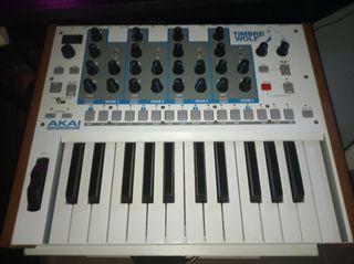 Sintetizador Akai Timbre Wolf