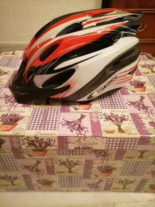 Casco de bicicleta marca GES