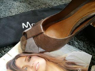 Zapato tacón piel gris