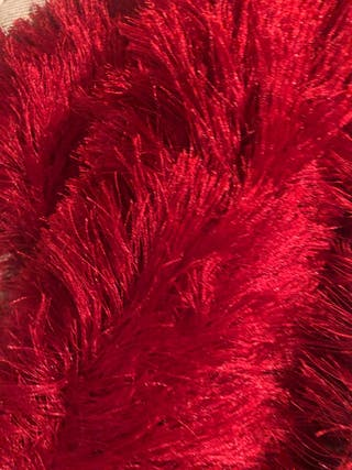 Alfombra roja felpuda