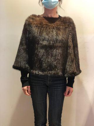 Poncho de visón tricotado