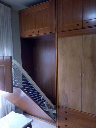 armario con cama