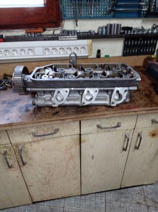 culatas Alfa vendo las dos culatas de un GTV 2.5