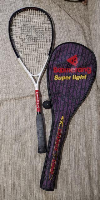 Raqueta squash con pelota