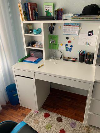 Mesa de estudio MICKE IKEA