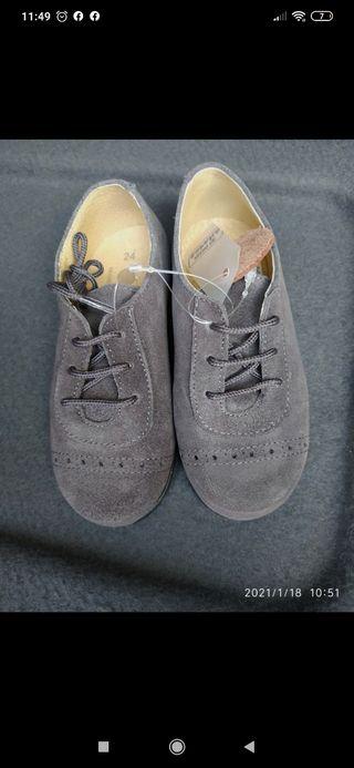 Zapato niña n.24 a estrenar
