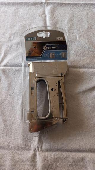 Grapadora modelo Rápid R36