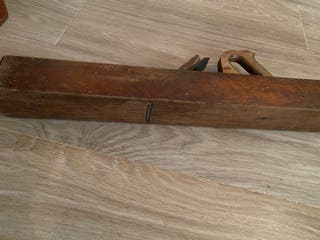 Cepillo de carpintero antiguo