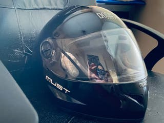 Se vende casco integral Hélix Helmets Must