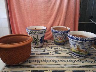 Macetas de cerámica y barro