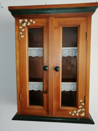 pequeño armario de colgar