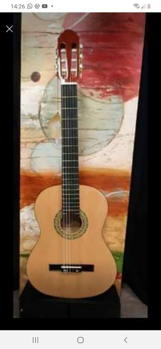 Guitarra clásica Toledo Spruce Preamp