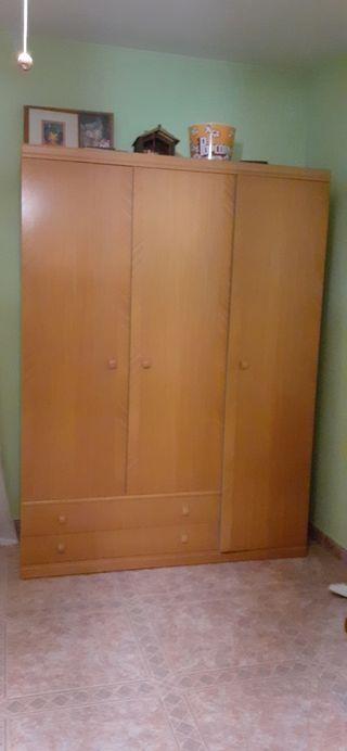 armario 3 puertas y 2 cajones