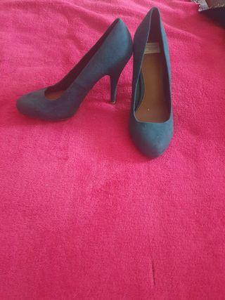 zapatos verdes de tacón talla 38 pull and bear
