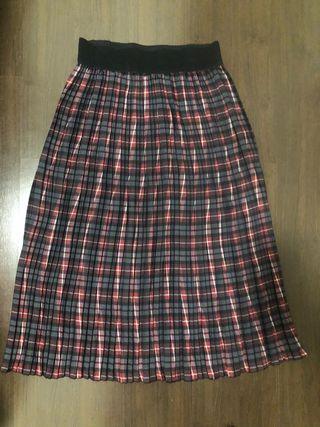 Falda midi escocesa