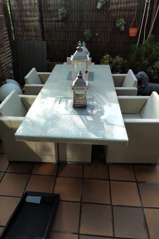 mesa y sillones jardin