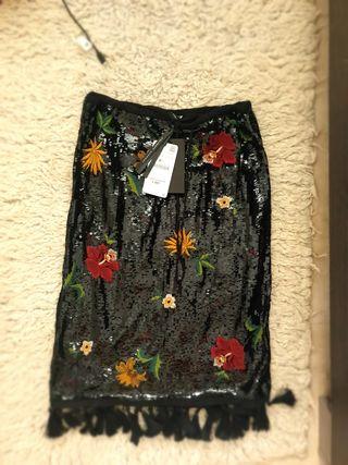 falda lentejuelas bordados