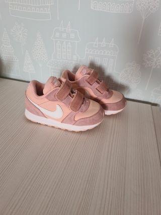 Deportivas rosa Nike