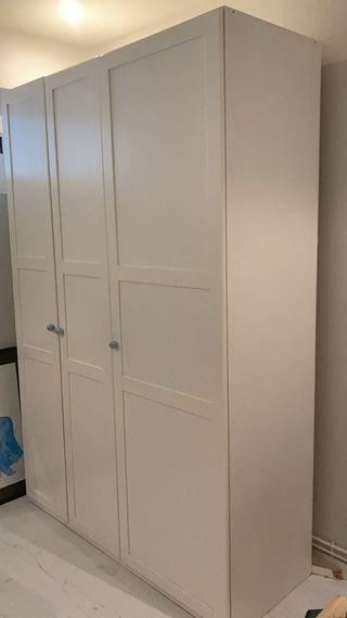 Armario 3 puertas, Ikea.