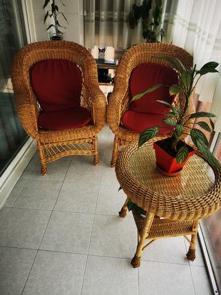 Sillones y mesa para jardin