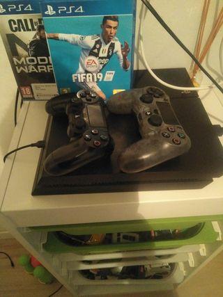 consola Playstation 4 con dos mandos
